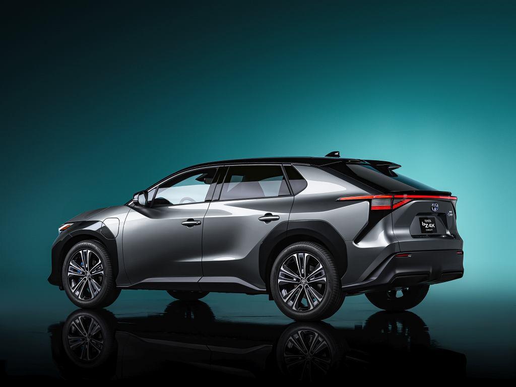 Studyjna elektryczna Toyota bZ4X Concept