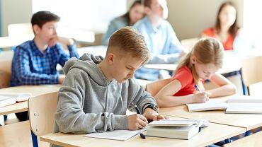 Pieniądze na podręczniki i ćwiczenia dla uczniów