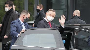 Pandemia koronawirusa. Prezydent Andrzej Duda w drodze na swoja konwencje wyborczą (odbędzie się online). Warszawa, 1 maja 2020