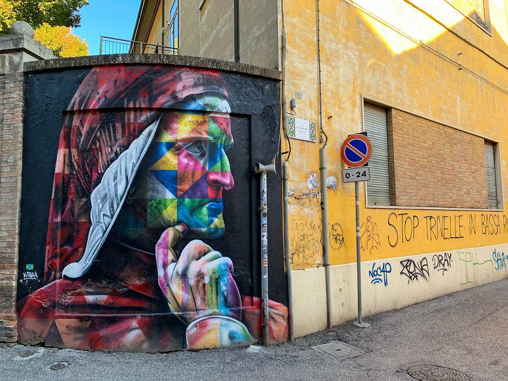 Mural w Rawennie przedstawiający Dantego