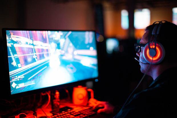 Stwórz kącik gamingowy - fotele, biurka i akcesoria dla graczy