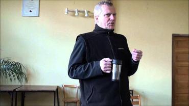 Ksiądz Dunin-Borkowski podczas jednego z wykładów