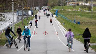 Rowery zyskują na popularności w czasie pandemii, zdjęcie ilustracyjne.
