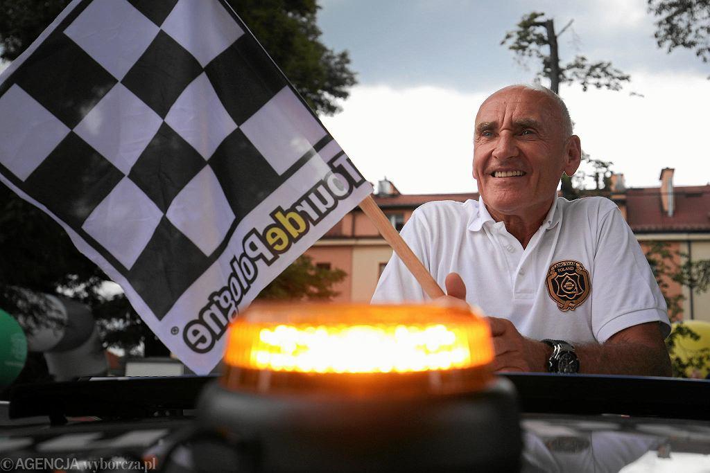 Czesław Lan na starcie etapu Tour de Pologne