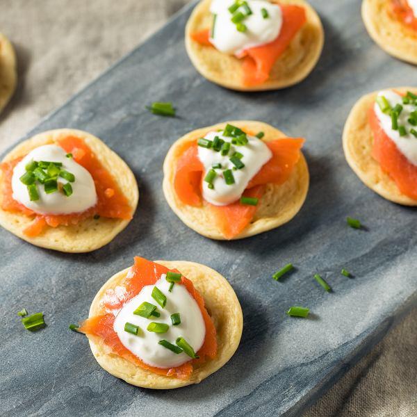 Promocje w marketach na produkty spożywcze warto wykorzystać, by przygotować nie tylko pyszny obiad czy kolację, ale też tanie dania.