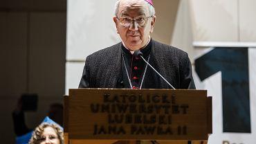 Abp Stanisław Budzik zamierza suspendować ks. Łukasza Kachnowicza za wspieranie LGBT. Zdjęcie ilustracyjne