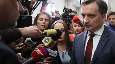 %Spotkanie premiera z klubami w Sejmie