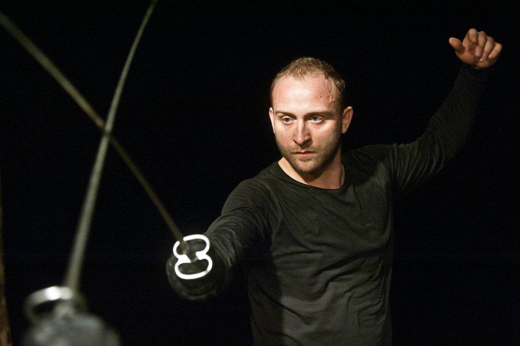 Borys Szyc jako Hamlet w Teatrze Współczesnym / MAGDA HUECKEL