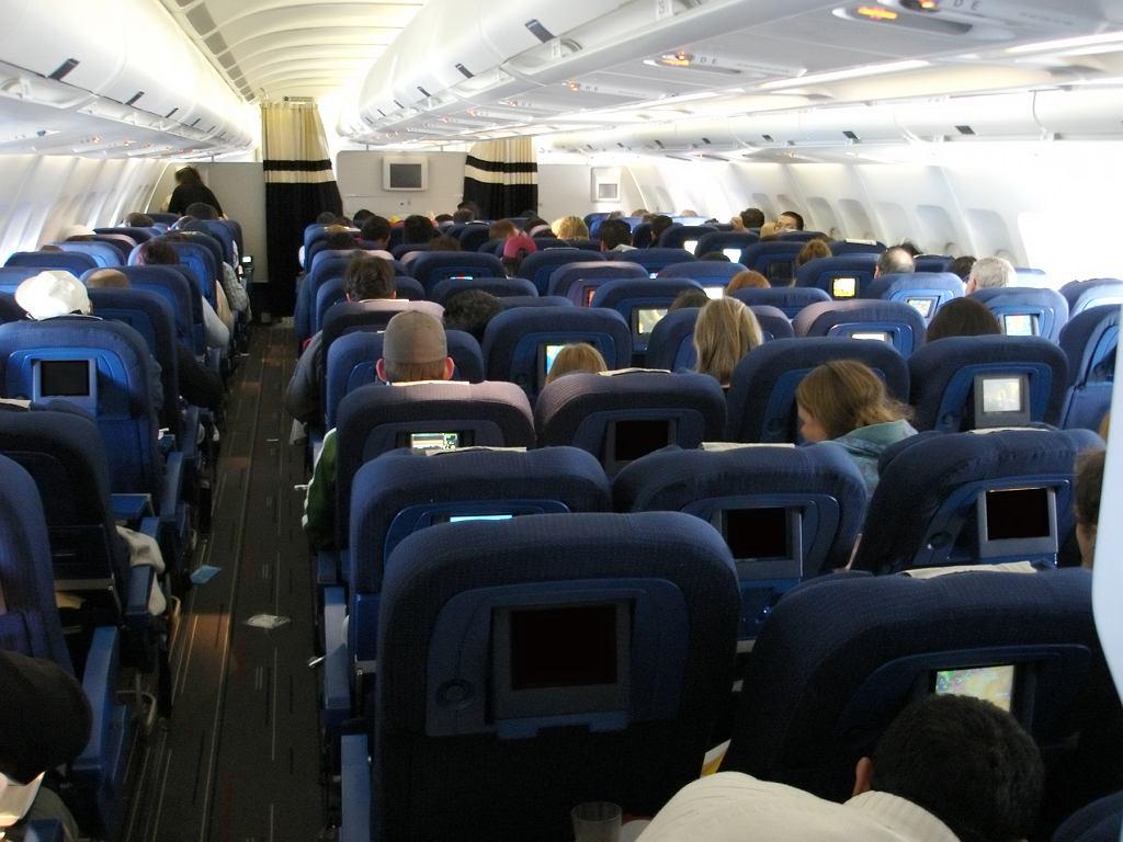 Zagłówki w samolotach są największym siedliskiem zarazków