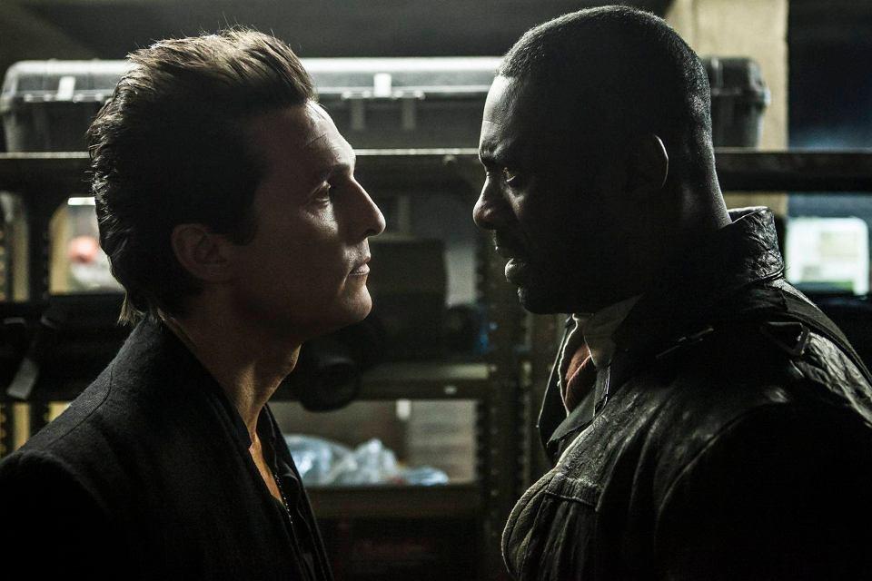 'Mroczna wieża'. Walter (Matthew McConaughey) i  Roland (Idris Elba)