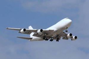 Samoloty omijają Ukrainę, a Polska traci miliony