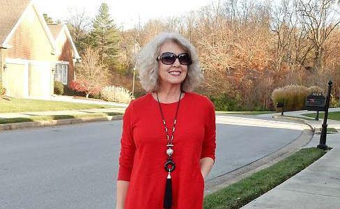 Nie bój się koloru, czyli wiosenne sukienki dla pań po pięćdziesiątce