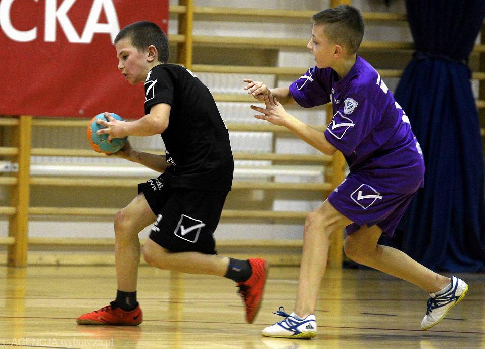 Zdjęcie numer 2 w galerii - SP nr 21 najlepsza w jubileuszowej edycji Orlen Handball Mini Ligi [FOTO]