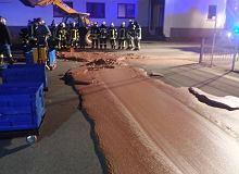 Płynna czekolada zalała ulicę niemieckiego miasteczka w Nadrenii