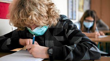 Nauka zdalna od października 2021. Zaszczepieni uczniowie chodzą do szkoły