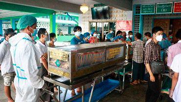 Trzecia fala koronawirusa w Birmie