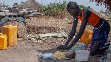 Sudan Południowy, przygotowywanie posiłku