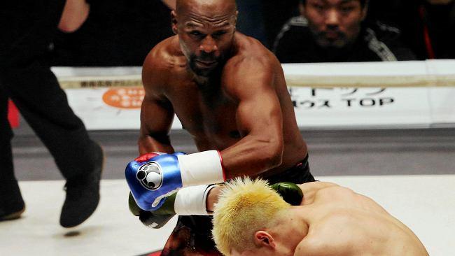 Floyd Mayweather w ringu z youtuberem. Czy patoboks niszczy prawdziwe pięściarstwo?