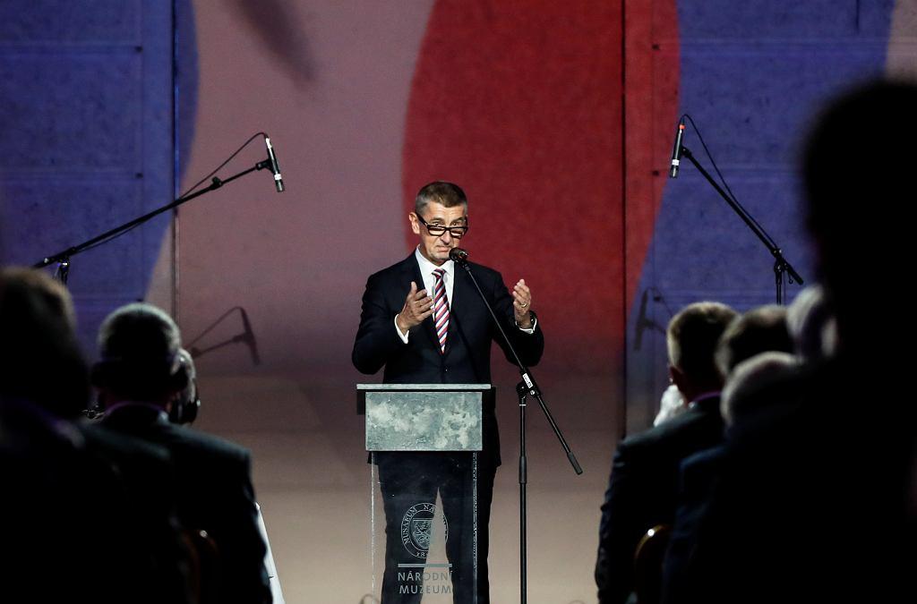 Czeski premier Andrej Babisz podczas wystąpienia w muzeum narodowym w Pradze, 17 listopada 2019 r.
