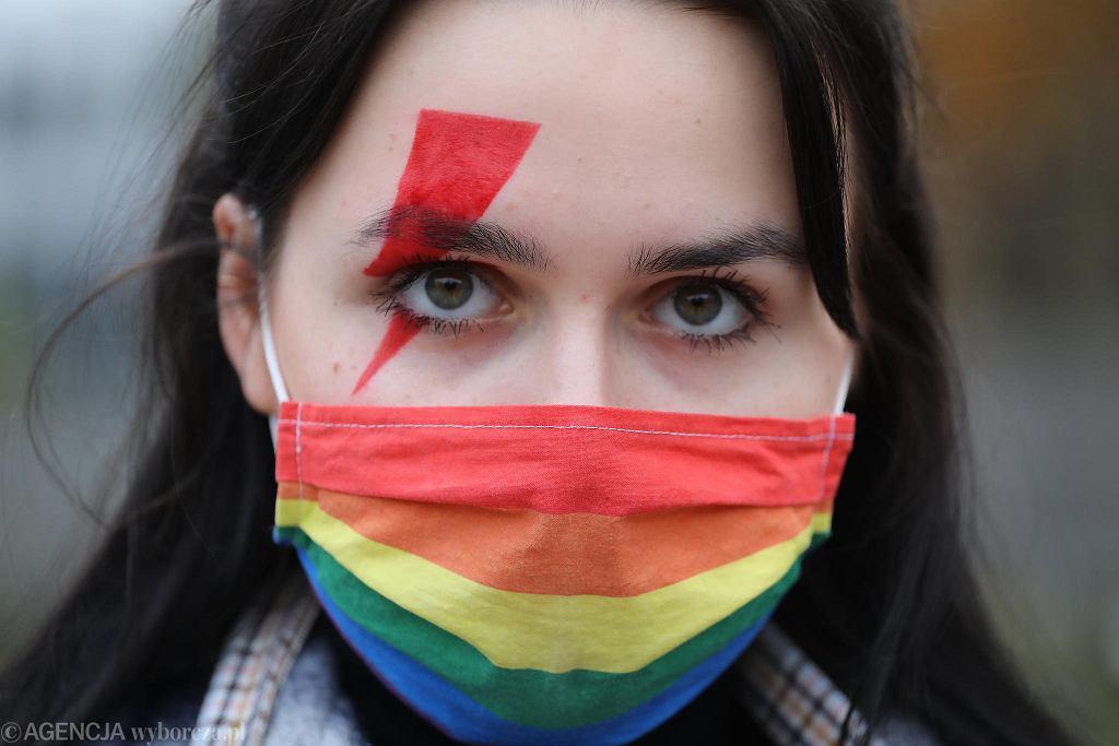 Błyskawice Strajku Kobiet budzą emocje