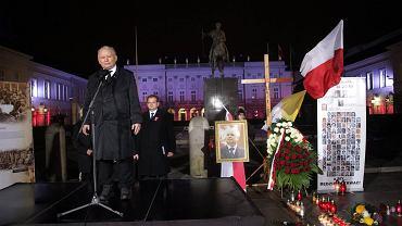 Jarosław Kaczyński zapowiedział powrót krzyża przed Pałacem Prezydenckim