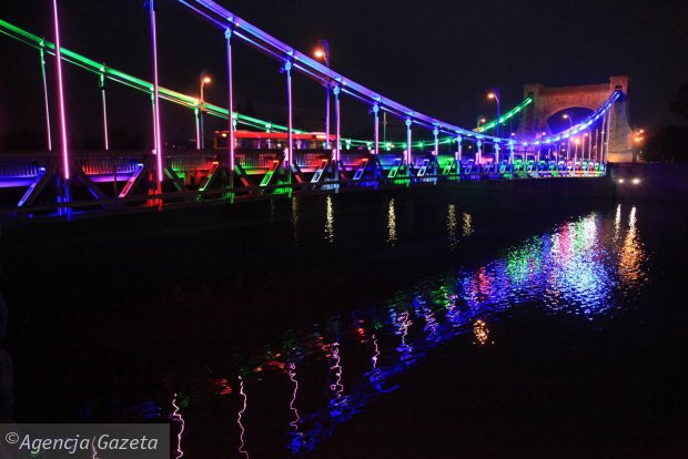 Zdjęcie numer 7 w galerii - Most Grunwaldzki nocą z nowymi światełkami. Jak Wam się podoba? [ZDJĘCIA]