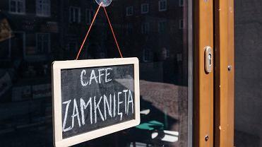 Epidemia koronawirusa. Knajpy, puby, restauracje i kluby są zamknięte dla gości. Lokale gastronomiczne mogą wydawać posiłki tylko na wynos/zdjęcie ilustracyjne