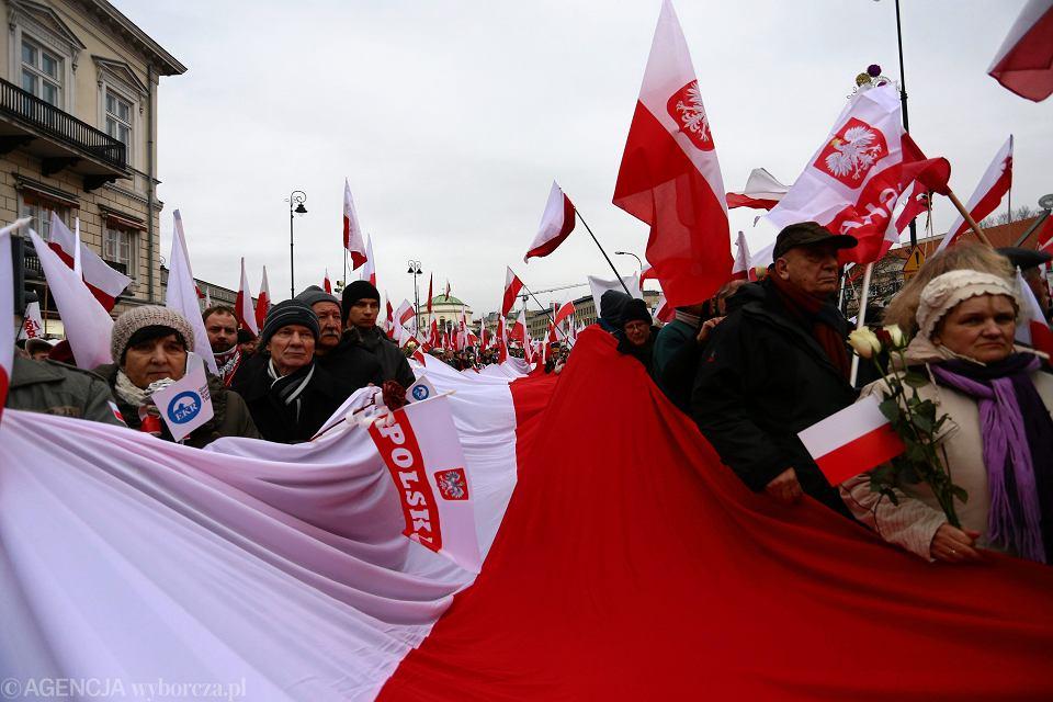 Zdjęcie numer 1 w galerii - Kaczyński żyje w Polsce, której nie ma