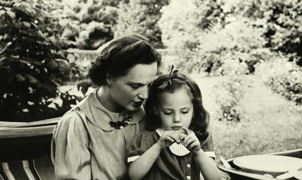 Jesień 1937, Virgilia Sapieha z córką Krysią / Fot. materiały wydawnictwa Karta