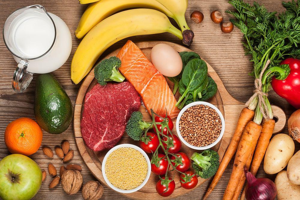 Dieta raw food, czyli dieta polegająca na jedzeniu surowych produktów