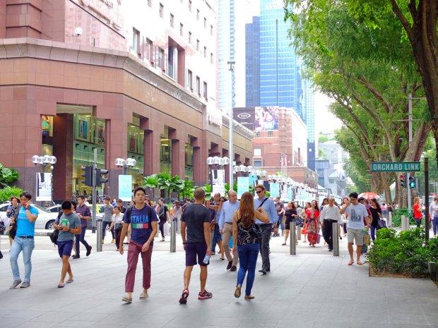 Najsłynniejszą ulicą handlową miasta jest Orchard Road
