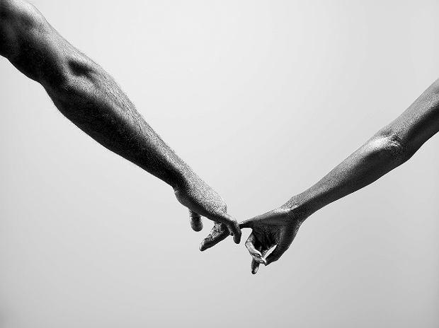 'Zostańmy przyjaciółmi' tak naprawdę oznacza często 'nie róbmy sobie krzywdy'. Zawieśmy broń na kołku