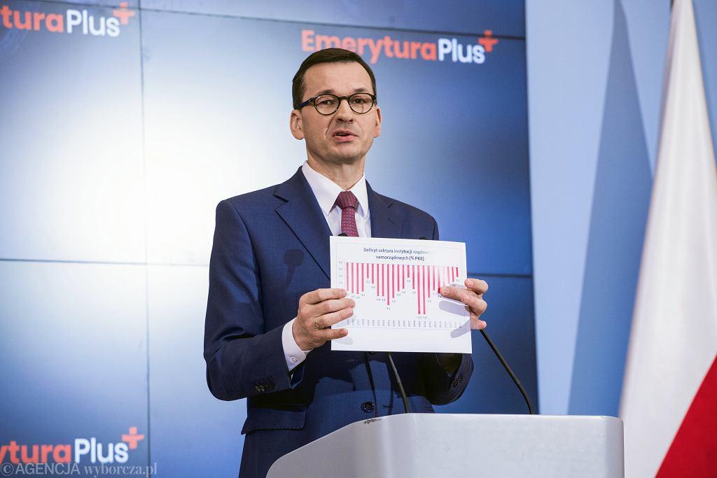 Premier Mateusz Morawiecki podczas konferencji prasowej dotyczącej programu Emerytura Plus