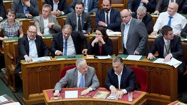 Węgierski parlament podczas dyskusji o tzw. ustawach 'Stop Soros', dotyczących uchodźców