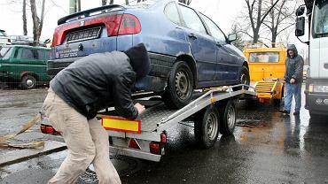 Zaleją nas stare, używane samochody z Niemiec? Taki może być efekt rządowych dopłat