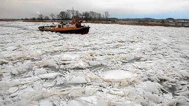 Zator na Wiśle w Płocku. Do akcji wkroczą lodołamacze