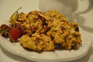 Ciasteczka owsiane z figami i migdałami