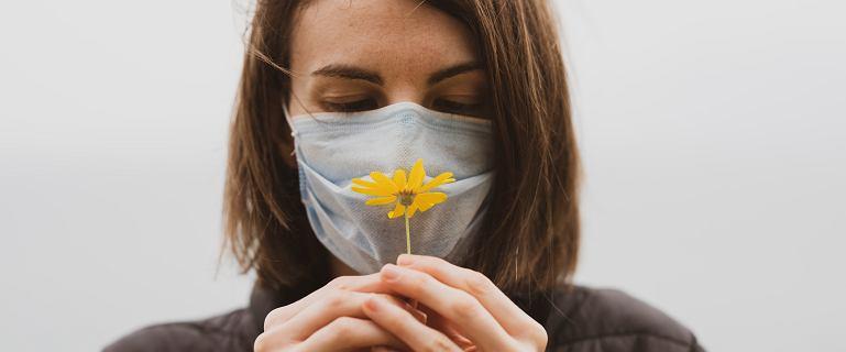 Alergolożka: W trzeciej fali nieżyt nosa jednym z pierwszych objawów COVID-19