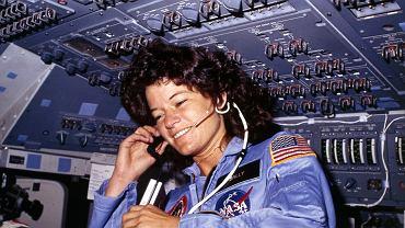 Misja STS-7 - Sally Ride na pokładzie promu Challenger