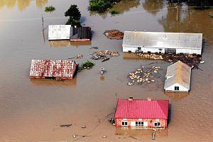 Budowa na terenie zalewowym. Rząd przelicza ryzyko powodzi, a automatyczne zakazy budowy przestają obowiązywać