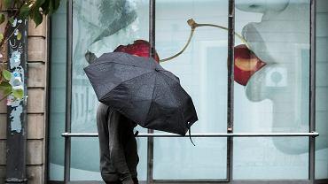 Deszcz, ul. Paderewskiego w Poznaniu