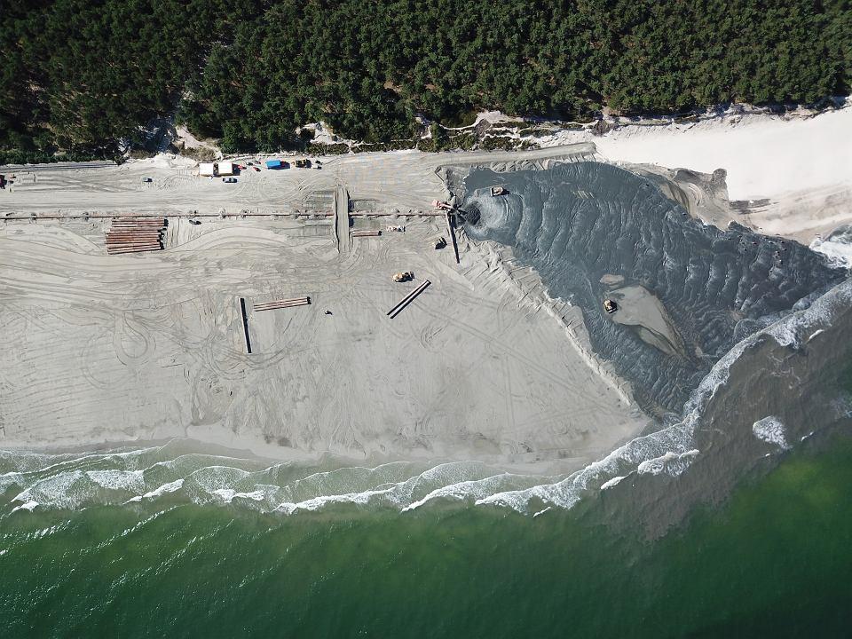 Poszerzanie plaży w Ostrowie