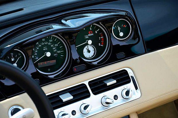 To jedyne BMW, w którym zegary umieszczone były centralnie