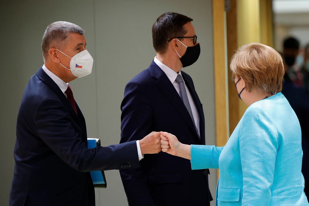 Premier Czech Andrej Babis z Angelą Merkel