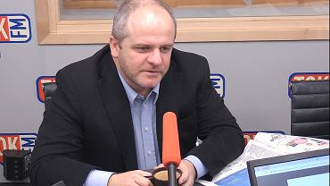 Dr Paweł Kowal w studiu TOK FM.