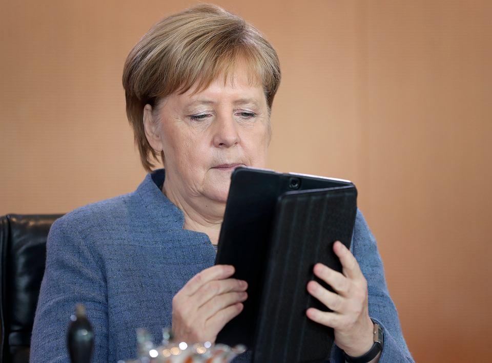 Prawie 70 europosłów w otwarty liście do Angeli Merkel zaapelowało, by przestała wspierać budowę przez Gazprom gazociągu Nord Stream 2 z Rosji do Niemiec
