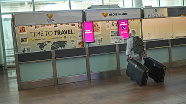 Stanowisko firmy Neckermann na lotnisku w Brukseli, 23 sierpnia 2019
