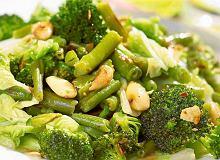 Sałatka z brokułów i zielonej fasoli na ciepło - ugotuj