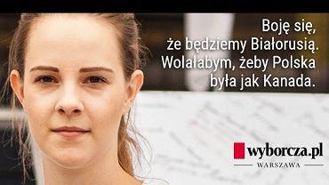 Natalia Tarmas protestuje pod Sejmem przeciwko upolitycznieniu sądów przez PiS
