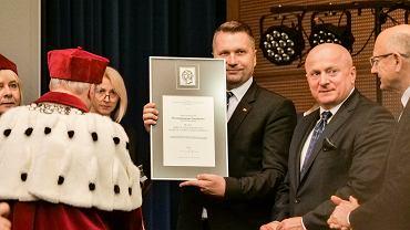 Wojewoda lubelski Przemysław Czarnek otrzymał Medal Przyjaciół UMCS